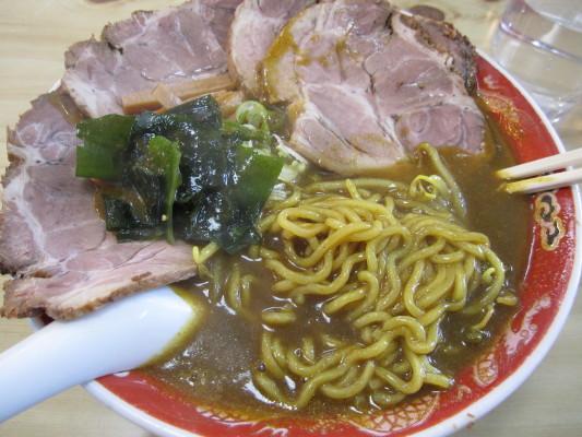 つるつる屋 カレーチャーシュー麺 中身w