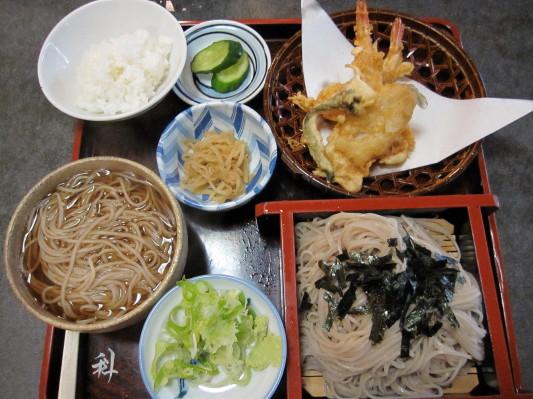 そば定食(天ぷら) 900円