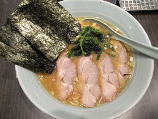 醤油豚骨チャーシューメン