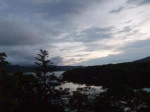 阿寒湖 夜明け前 ちょっと明るく