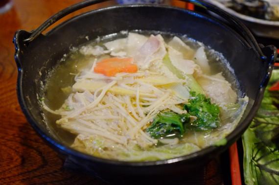 二番セットのおまかせ料理(つみれ鍋 2人分)