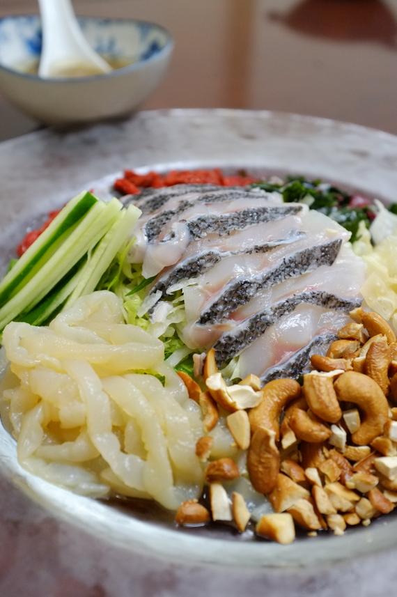 室蘭の魚「黒ソイ」の広東風サラダ仕立て