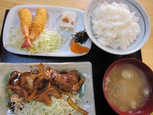 日替わり定食(エビフライ+豚生姜焼き)