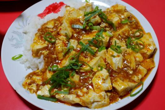 麻婆豆腐(ライス&スープ付きのサービスメニュー)