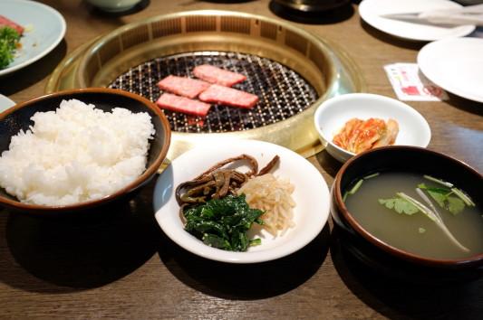 上カルビ定食 (上カルビ+ライス+ナムル+キムチ+スープ)