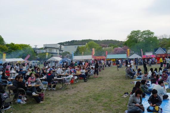 鷲別川沿いサクラ並木2012 桜まつり会場