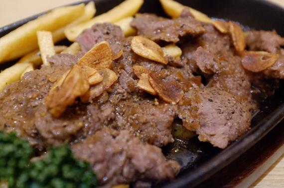 牛ガーリックステーキ