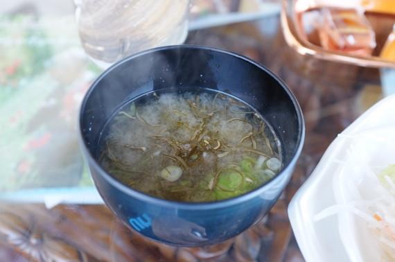 母恋めしバター味定食(の味噌汁)