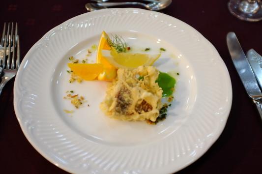 魚料理(鮮魚のフリット レモンオレンジ添え)