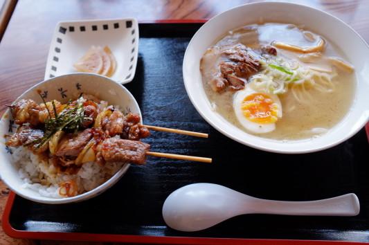 ミニ塩ラーメン+小舟ミニ焼鳥丼