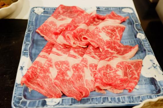 しゃぶしゃぶの牛肉