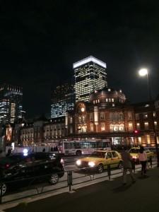 東京駅ですわ