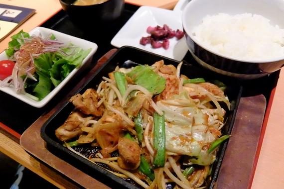 鶏ちゃんキムチ炒め定食