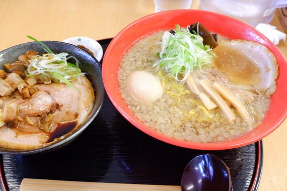 背脂醤油ラーメン+チャーシュー丼セット